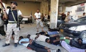 Negros detenidos en Libia