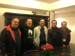 Miembros de la Escuela Ibérica de escritores en esperanto, en la sede del grupo Frateco de Zaragoza